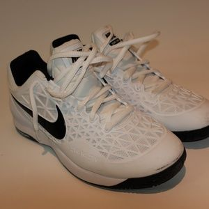 Shoes: Nike- zoom cage 2- size 10.5 - white